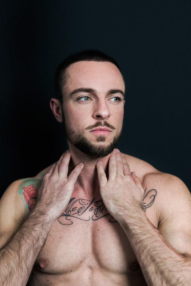 Gặp chàng trai chuyển giới đầu tiên lên bìa tạp chí đàn ông châu Âu - Ảnh 6.
