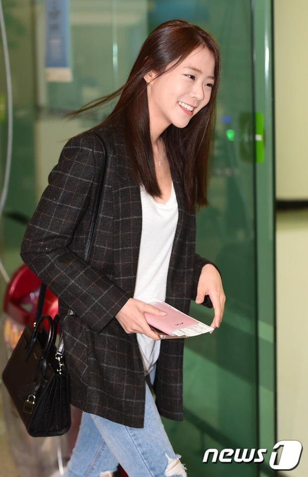 Soán ngôi Song Joong Ki tại Đại Lục, Yoona (SNSD) trở thành tâm điểm của báo giới khi về nước - Ảnh 7.