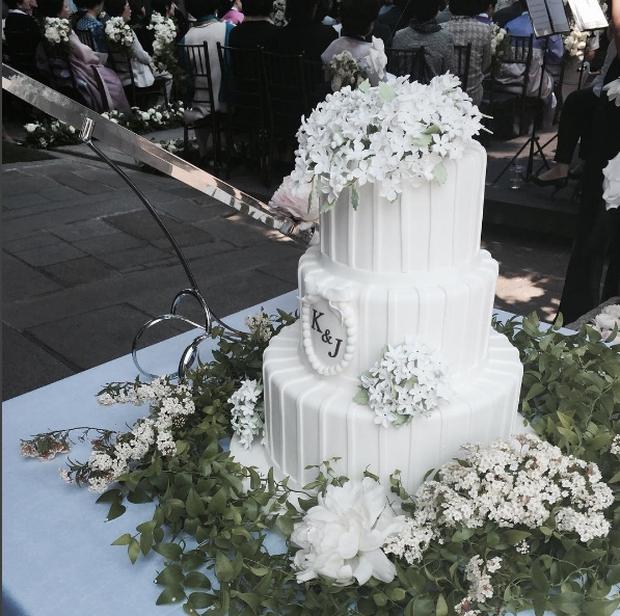 Vợ tài tử Jang Dong Gun đến dự đám cưới nữ diễn viên Chuyện tình Paris cùng con trai tài phiệt - Ảnh 10.