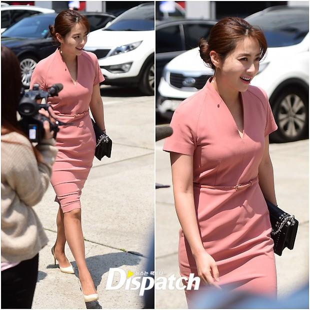 Vợ tài tử Jang Dong Gun đến dự đám cưới nữ diễn viên Chuyện tình Paris cùng con trai tài phiệt - Ảnh 14.