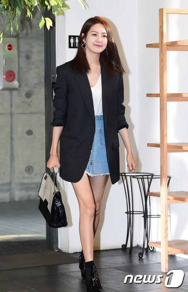 Jeon Ji Hyun dừ và kém sắc hơn đàn chị Nữ hoàng Seondeok trong lần tái xuất chính thức - Ảnh 9.