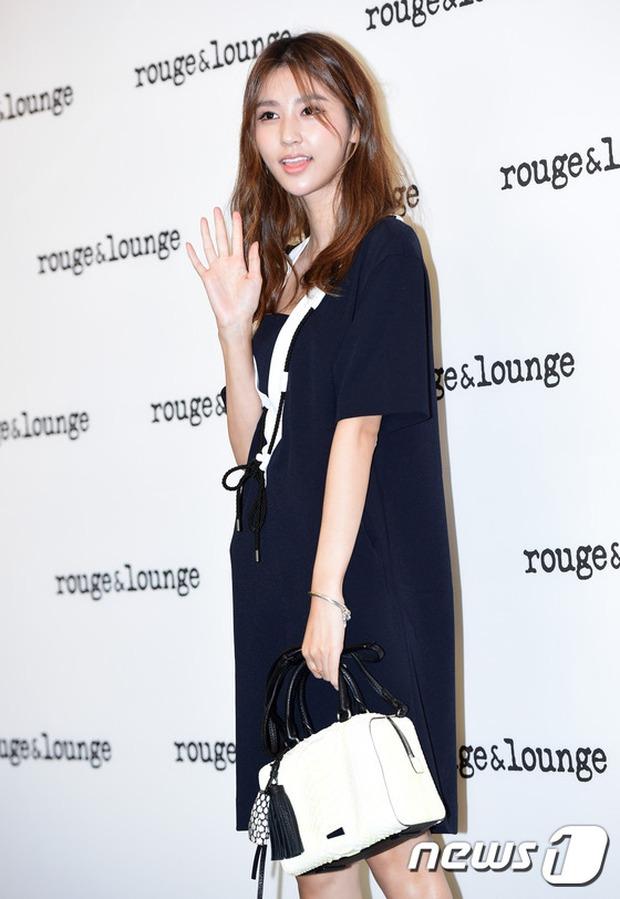 Jeon Ji Hyun dừ và kém sắc hơn đàn chị Nữ hoàng Seondeok trong lần tái xuất chính thức - Ảnh 14.