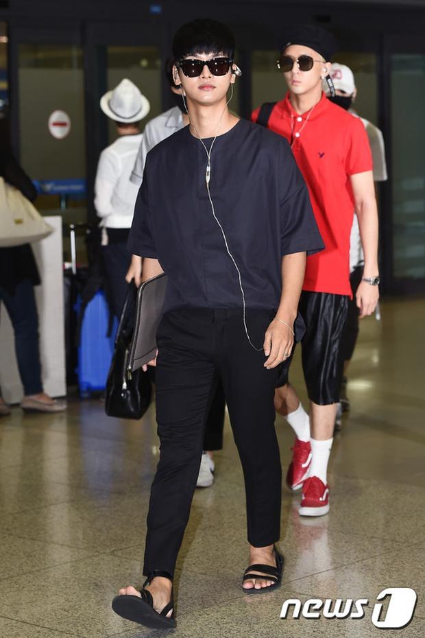 Yoona (SNSD) thả dáng sang chảnh, IU bị tố làm mũi khi xuất hiện tại sân bay - Ảnh 13.