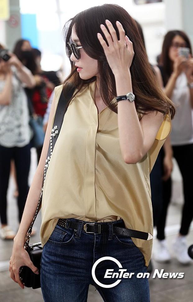 Yoona (SNSD) thả dáng sang chảnh, IU bị tố làm mũi khi xuất hiện tại sân bay - Ảnh 6.