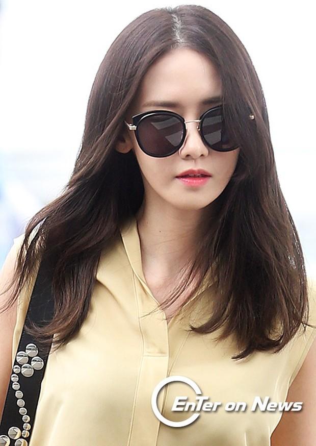 Yoona (SNSD) thả dáng sang chảnh, IU bị tố làm mũi khi xuất hiện tại sân bay - Ảnh 8.