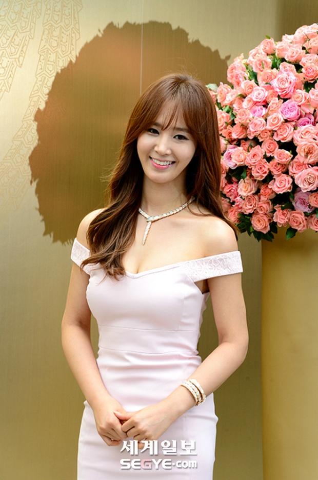 Yuri (SNSD) được dân tình khen nức nở khi khoe thân hình không đùa được đâu tại sự kiện - Ảnh 6.