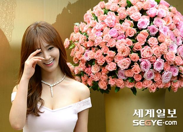 Yuri (SNSD) được dân tình khen nức nở khi khoe thân hình không đùa được đâu tại sự kiện - Ảnh 9.