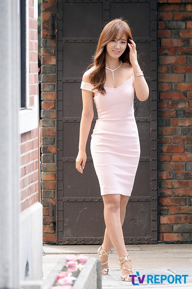 Yuri (SNSD) được dân tình khen nức nở khi khoe thân hình không đùa được đâu tại sự kiện - Ảnh 1.