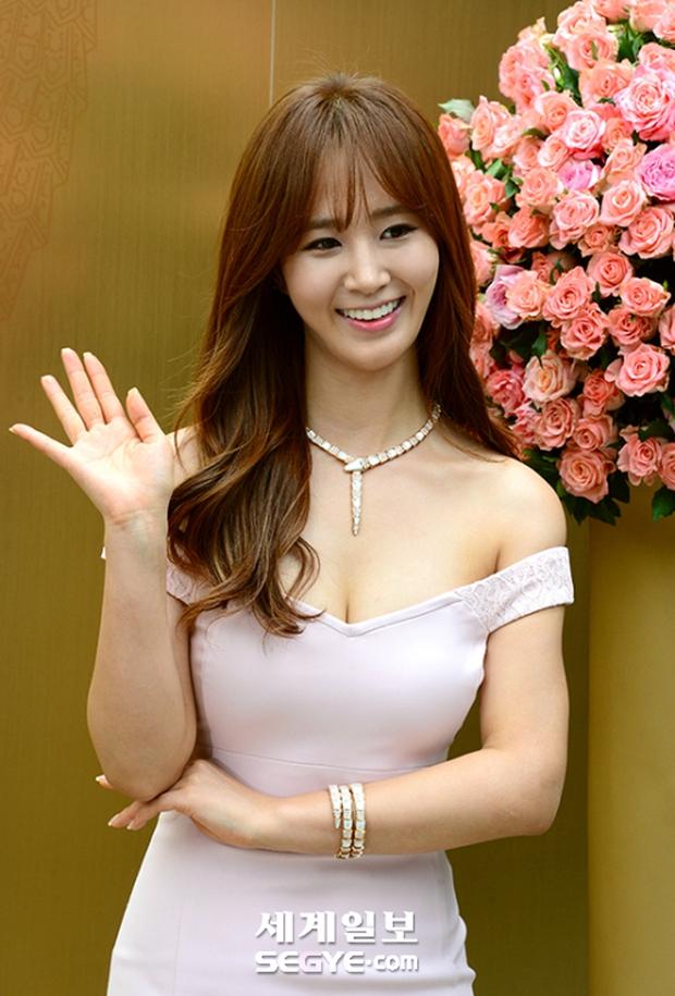 Yuri (SNSD) được dân tình khen nức nở khi khoe thân hình không đùa được đâu tại sự kiện - Ảnh 7.