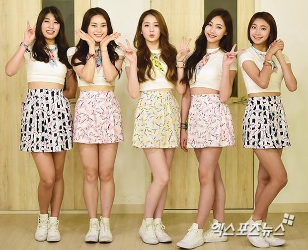 Nhóm nhạc nữ Kpop được khuyên nên đi thẩm mỹ khi khoe khoang về nhan sắc không dao kéo - Ảnh 4.