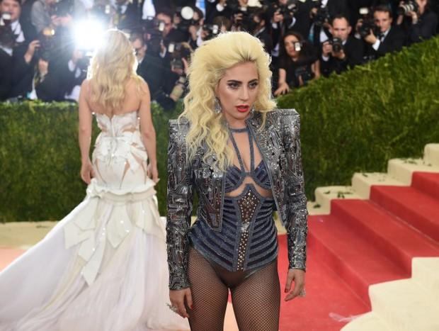DJ đẹp trai của The Chainsmokers lộ mặt hèn trong vụ lùm xùm với Lady Gaga? - Ảnh 1.