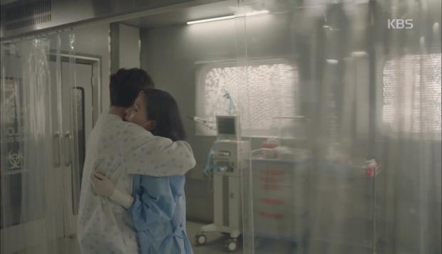 Hậu Duệ Mặt Trời: Song Hye Kyo tự nhận mình thuộc nhóm máu... mỹ nhân! - Ảnh 28.