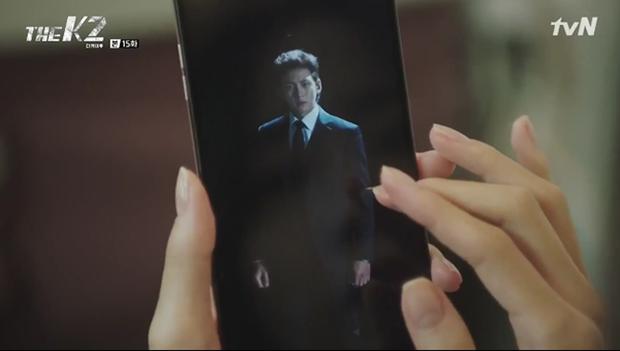 """""""K2"""": Ji Chang Wook bất lực nhìn Yoona bị kẻ thù bắt cóc - Ảnh 19."""