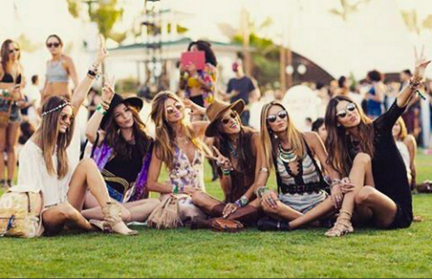 Coachella: Lễ hội nhiều cô nàng xinh và hot nhất nước Mỹ!  - Ảnh 18.