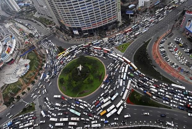 Không chỉ Indonesia, rất nhiều thành phố khác trên thế giới cũng thường xuyên ùn tắc kinh hoàng - Ảnh 18.