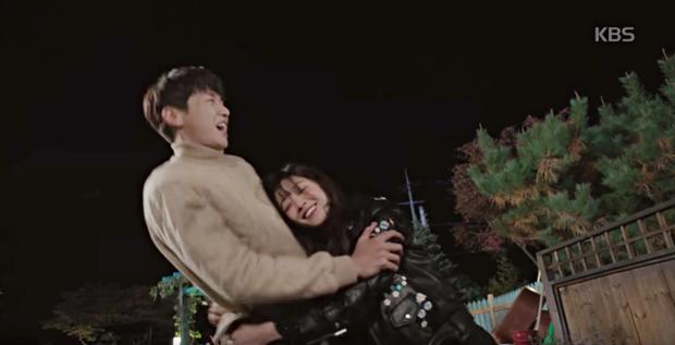 """Soo Ae rũ bỏ mác """"nữ hoàng nước mắt"""", phải lòng trai đẹp Kim Young Kwang - Ảnh 25."""