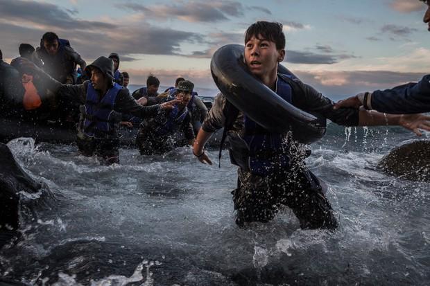Những bức hình ám ảnh đạt giải thưởng Pulitzer 2016  - Ảnh 3.
