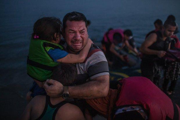 Những bức hình ám ảnh đạt giải thưởng Pulitzer 2016  - Ảnh 4.