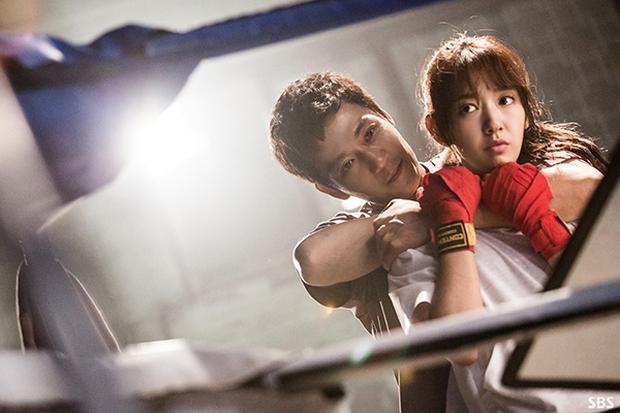 Đây là 7 người tình màn ảnh ấn tượng nhất của bác sĩ Kim Rae Won - Ảnh 22.