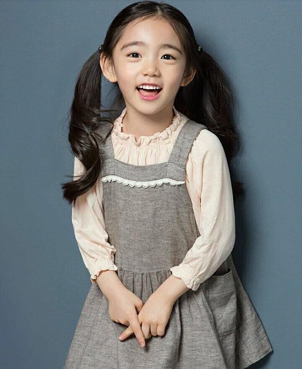 Chân dung cô bé Hàn Quốc xinh đẹp đến mức có thể khiến trái tim bạn tan chảy - Ảnh 18.