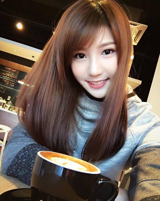 Loạt ảnh du lịch Sài Gòn của hot girl Malaysia khiến fan Việt thích thú - Ảnh 7.