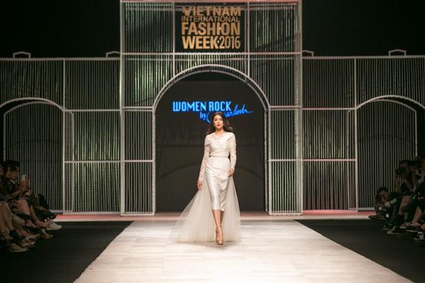 Vietnam International Fashion Week Thu Đông 2016: Nơi linh hồn Việt được thăng hoa - Ảnh 1.