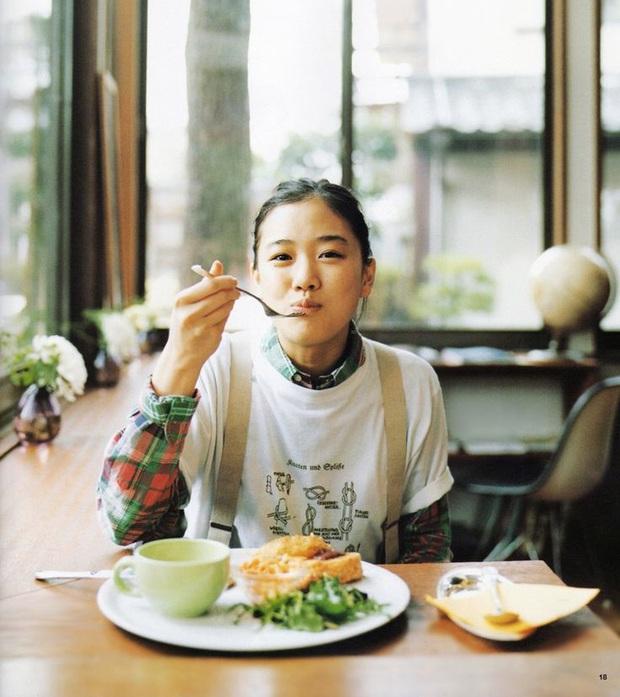 Bí quyết không ăn kiêng vẫn giữ dáng thon, khỏe mạnh của người Nhật - Ảnh 1.