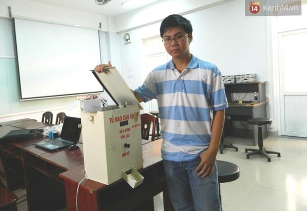 Sinh viên Đà Nẵng sáng chế máy phát bao cao su miễn phí cho người dân - Ảnh 2.