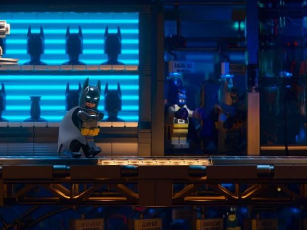 Kỵ Sĩ Bóng đêm cô độc trong LEGO Batman Movie - Ảnh 3.