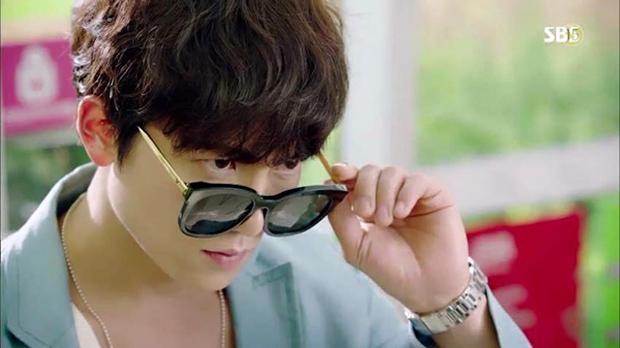 """Tạo hình của Ji Sung trong """"Entertainer"""" hứa hẹn còn """"lầy"""" hơn bánh bèo Yoo Na - Ảnh 3."""