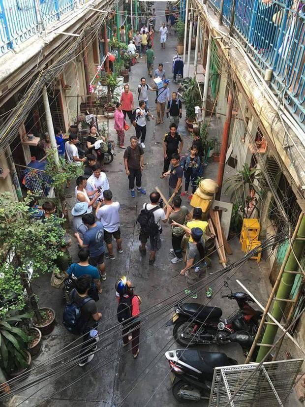 Sao TVB Quách Tấn An, Huỳnh Đức Bân, Chu Thần Lệ được fan bắt gặp quay phim tại Chợ Lớn - Ảnh 2.