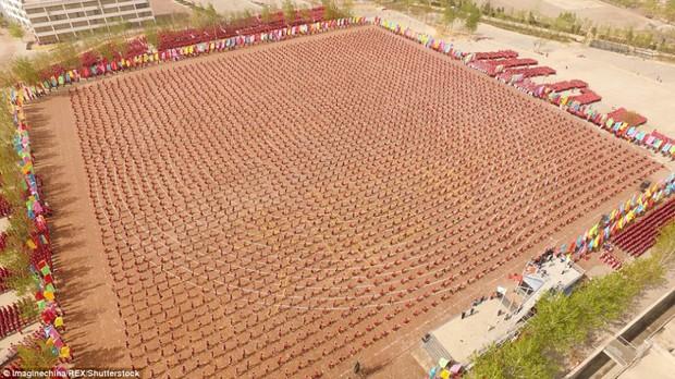 Buổi khai giảng hoành tráng với sự góp mặt của 26.000 cao thủ thiếu lâm - Ảnh 2.