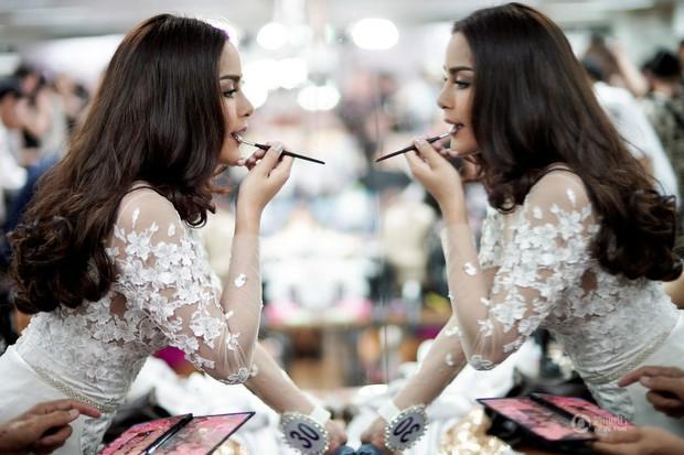 Chùm ảnh: Hậu trường cuộc thi Hoa hậu chuyển giới được quan tâm nhất Thái Lan - Ảnh 3.