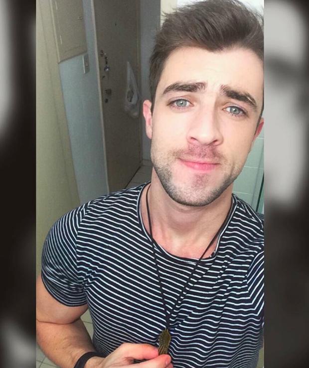Anh chàng phi công siêu đẹp trai với body 6 múi đang làm dậy sóng Instagram  - Ảnh 9.