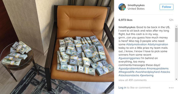 Thánh khoe của mới nổi: Lúc nào cũng cắp nách cả triệu đô tiền mặt chỉ để... chụp ảnh đăng Instagram - Ảnh 4.