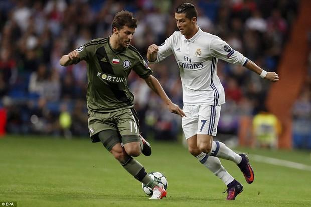 Real Madrid từ chối yêu cầu ký hợp đồng mới của Ronaldo - Ảnh 2.