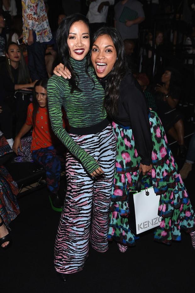 Show H&M x Kenzo tại New York: Suboi diện thiết kế mới nhất, ngồi hàng ghế đầu cùng loạt sao đình đám - Ảnh 6.