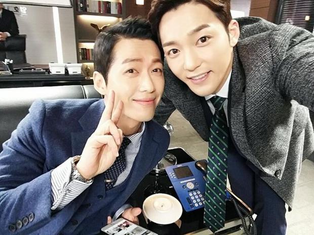 """""""Remember"""": Yoo Seung Ho nghẹn lời khi đã giải oan cho cha thành công - Ảnh 24."""