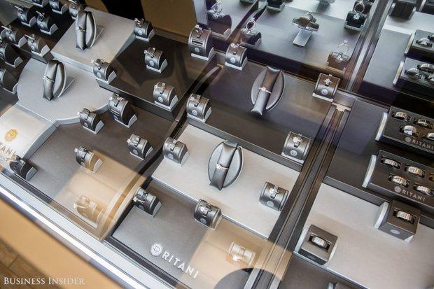 Đột nhập xưởng chế tác kim cương lớn nhất nước Mỹ, nơi mỗi chiếc nhẫn có giá lên tới 66 tỷ đồng - Ảnh 20.