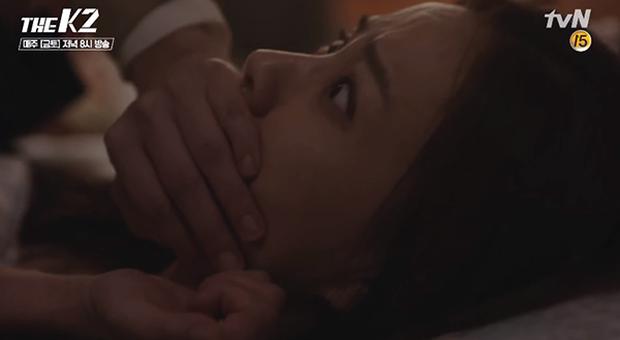 """""""K2"""": Thân phận thật sự của Yoona đã được tiết lộ - Ảnh 25."""