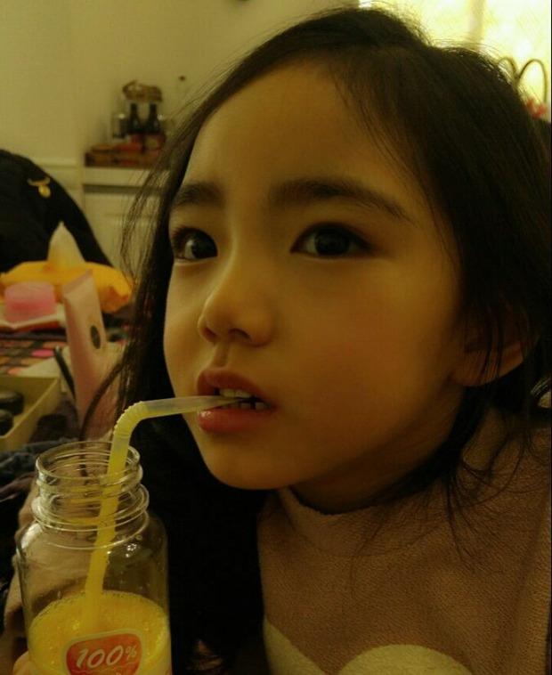Chân dung cô bé Hàn Quốc xinh đẹp đến mức có thể khiến trái tim bạn tan chảy - Ảnh 19.