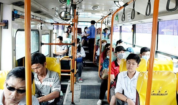7.000 đồng và bài học về văn minh xe buýt - Ảnh 1.
