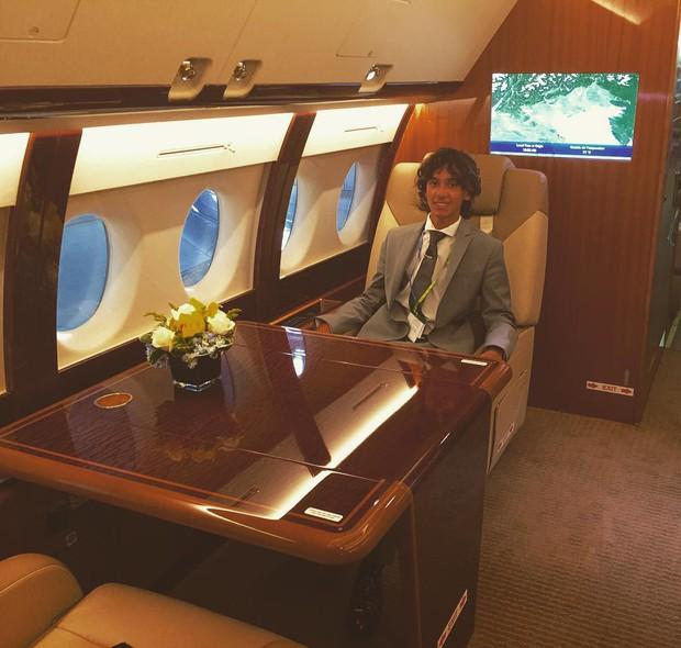 Công việc tuyệt vời nhất hành tinh: Chỉ việc ngồi máy bay miễn phí và du lịch vòng quanh thế giới - Ảnh 3.