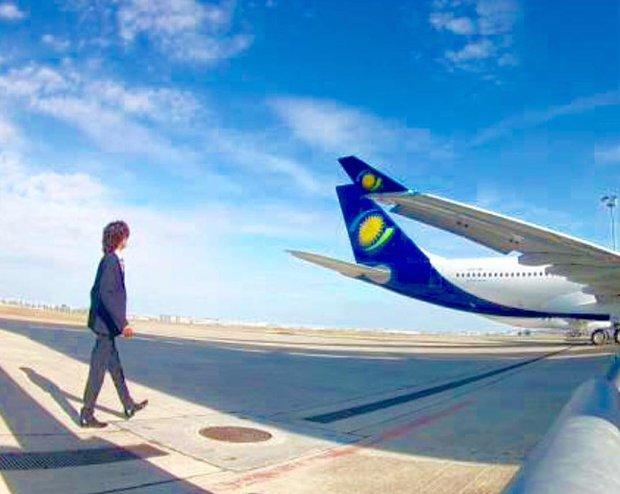 Công việc tuyệt vời nhất hành tinh: Chỉ việc ngồi máy bay miễn phí và du lịch vòng quanh thế giới - Ảnh 2.