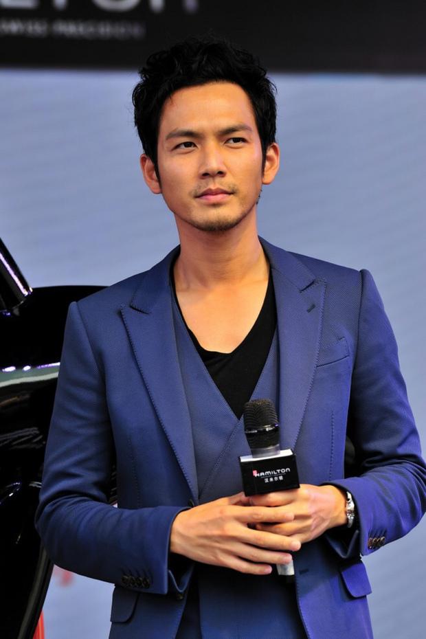 Triệu Vy, Phạm Băng Băng lép vế Angela Baby trong trận chiến cát-sê phim truyền hình - Ảnh 11.