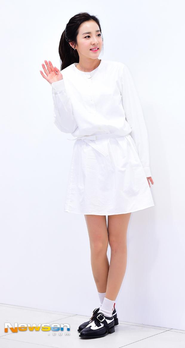 Dara (2NE1) khoe vẻ đẹp tinh khôi như thiếu nữ đôi mươi - Ảnh 1.