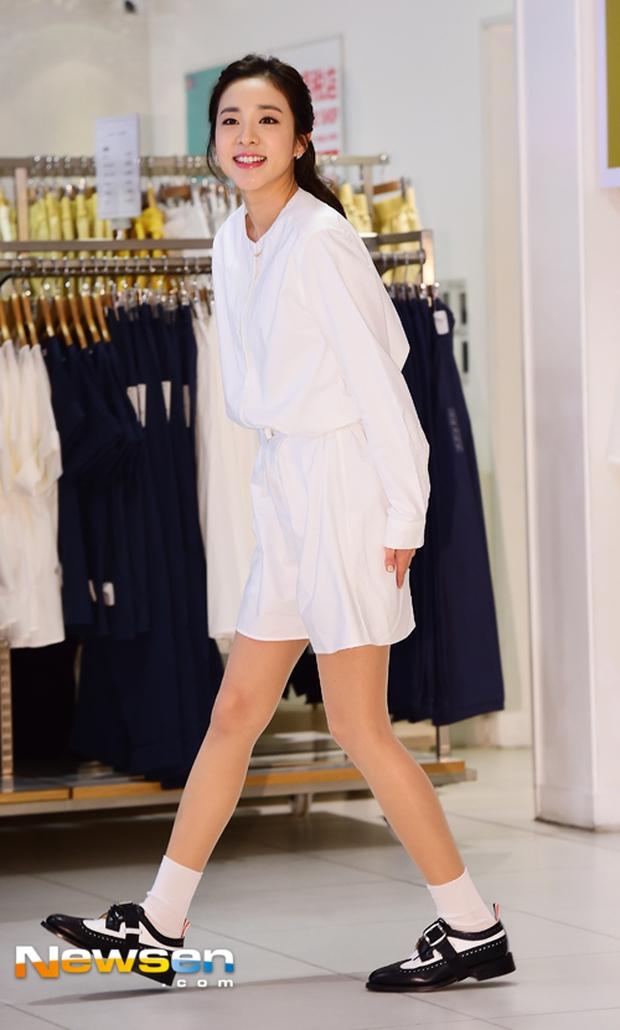 Dara (2NE1) khoe vẻ đẹp tinh khôi như thiếu nữ đôi mươi - Ảnh 2.