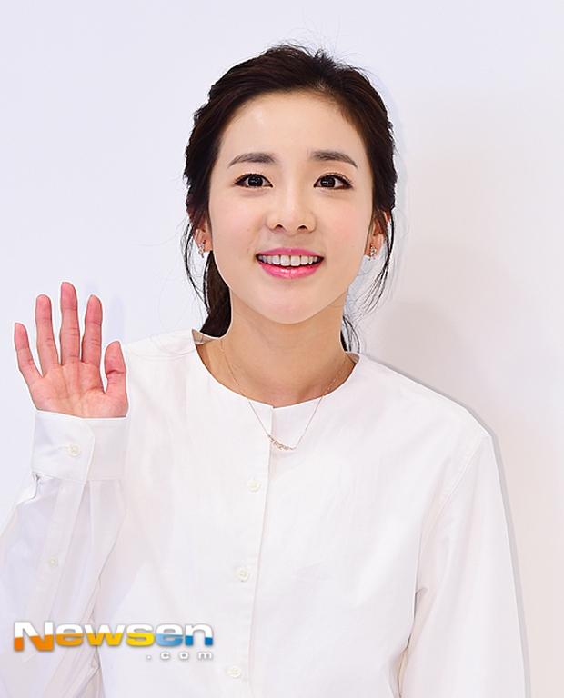 Dara (2NE1) khoe vẻ đẹp tinh khôi như thiếu nữ đôi mươi - Ảnh 3.