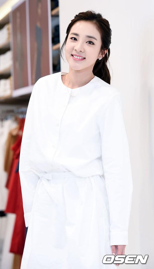 Dara (2NE1) khoe vẻ đẹp tinh khôi như thiếu nữ đôi mươi - Ảnh 4.