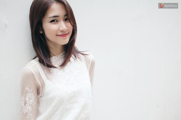 Clip vui: Hòa Minzy kể chuyện mượn áo Sơn Tùng, nhái Hari Won cực lố - Ảnh 4.